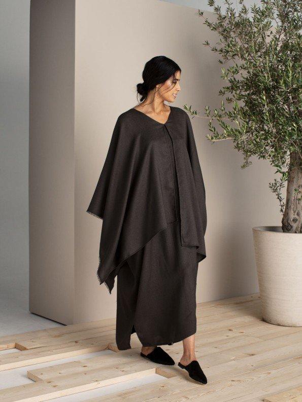 EPIPHANY - Deep plunge cape sleeve abaya